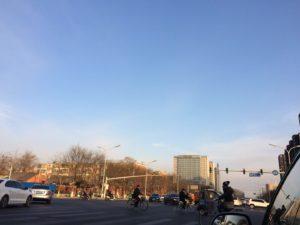 宣武門に向かう途中北京郊外の空