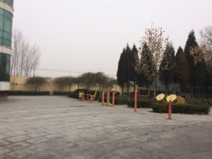 中国の公園によくある運動できる遊具