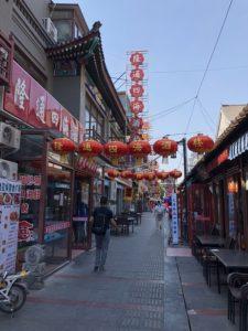 天津の鼓楼の道